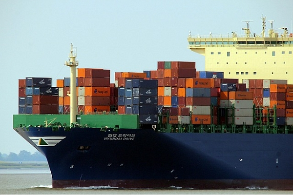 Lithuanian exports decline at a slower rate than imports